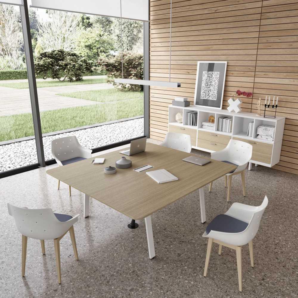 שולחן משרדי רחב מעץ