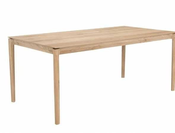 שולחן במראה עדין ואוורירי אך בעל קונסטרוקציה חזקה, העיצווב הופך את השולחן לייחודי, אל-זמני, נצחי ומרשים .