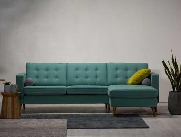 מערכת ישיבה נקייה עם נגיעה קלאסי.  המפרט כולל קפיצים בשלד הספה לישיבה רכה ונוחה במיוחד ובסיס ספה מעץ אלון מלא .