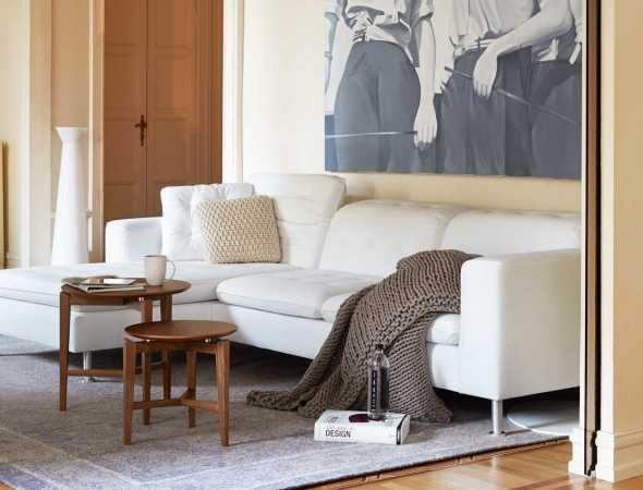 שולחן קפה בצורה עגולה עשוי מעץ ניתן להזמין במגוון מידות וחומרים.