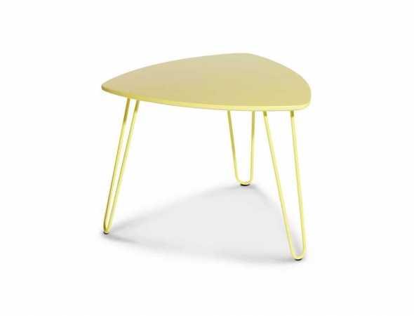 שולחן בגימור צבע אפוקסי בעל רגלי מתכת צבועות