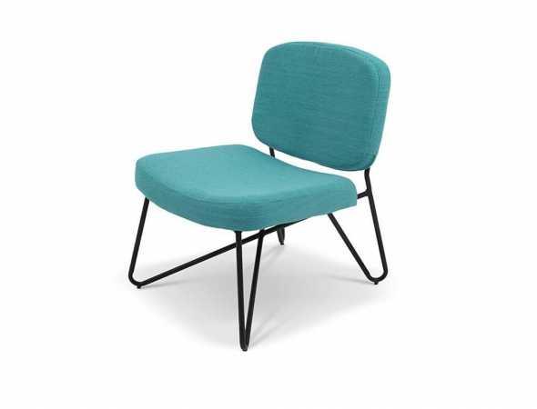 כורסא בריפוד בד עם בסיס מתכת