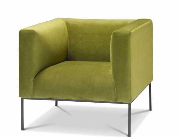 כורסא בריפוד קטיפה ירוקה עם רגלי מתכת