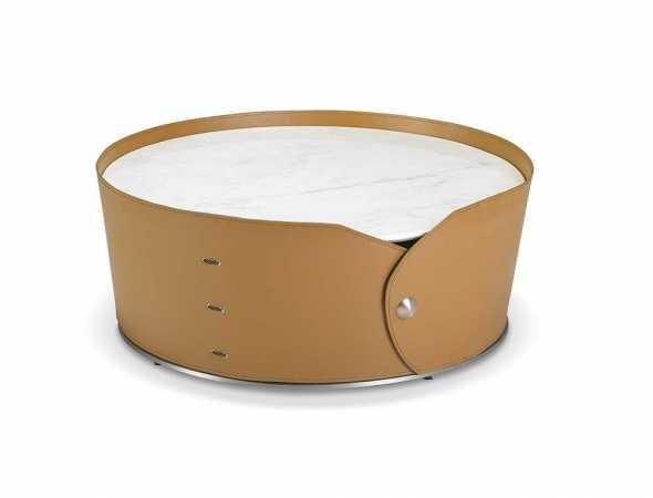 שולחן סלון עגול בעל פלטה עליונה משיש עם חיפוי PVC קאמל.