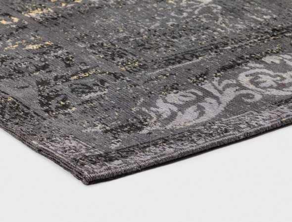 שטיח בעיצוב משולב קלאסי אקלקטי מרהיב, בסגנון וינטאג'. השטיח, שהינו חלק מהקולקציה החדשה של איתמר עשוי מסיבי שניל כותנה המקנים לו חוזק ורכות.