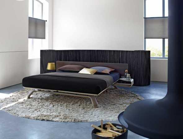 מיטה זוגית רחבה