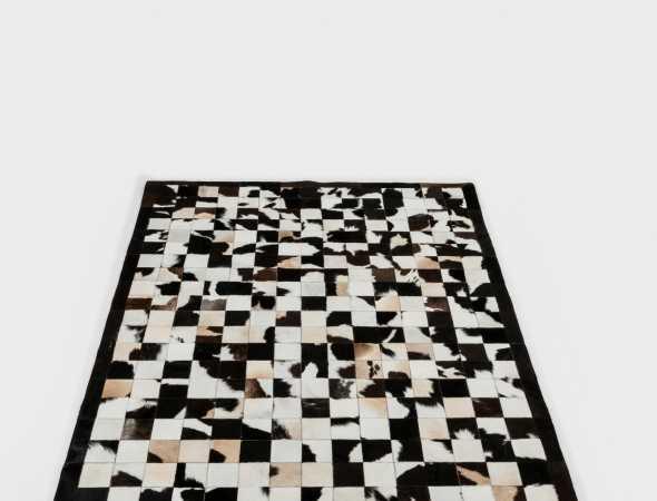שטיח עור יוקרתי מאוד בעיצוב מודרני