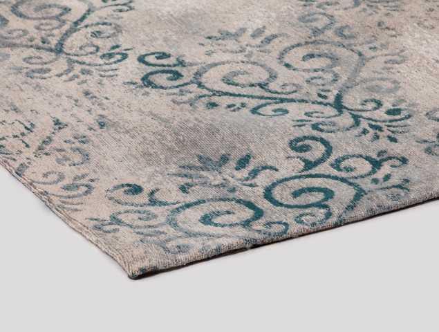שטיח עשוי בעבודת יד מכותנה ופוליאסטר, שטיח איכותי ומהמם. מתאים לחדר שינה ולסלון.