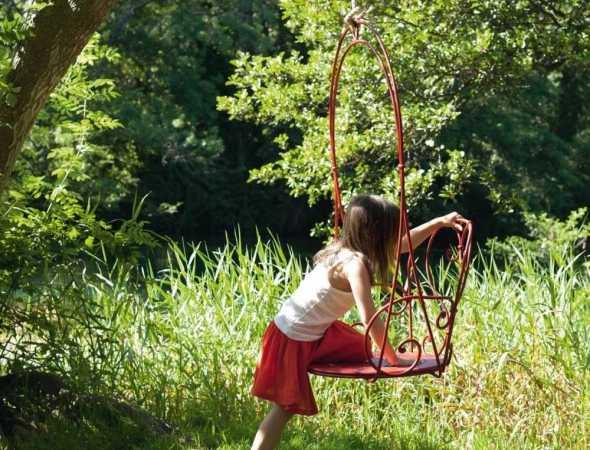 כסא נדנדה אדום