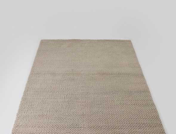 שטיח הארוג מחוטים הקלועים מחוטי צמר בצבע טבעי. חזק ומרשים ביופיו. מתאים לכל חדרי הבית