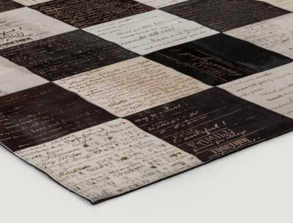 שטיח עור יוקרתי בעיצוב מודרני.