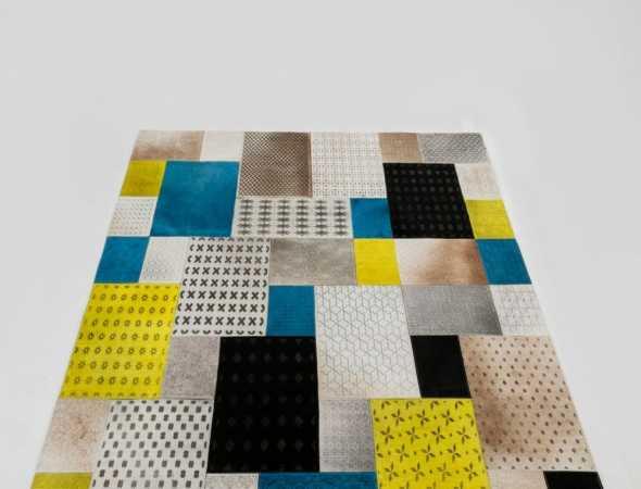 התחושה והמראה המיוחדים שמעניק השטיח הינם, בין היתר, גם בשל השימוש בגוונים