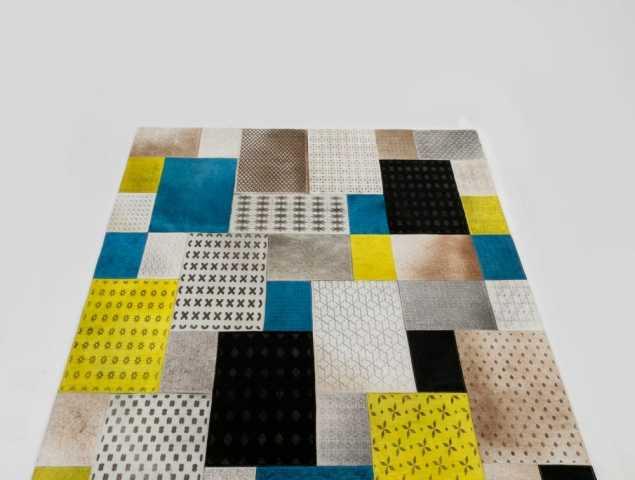 """התחושה והמראה המיוחדים שמעניק השטיח הינם, בין היתר, גם בשל השימוש בגוונים """"חיים"""" אשר שילובם עם עיטורי השטיח יוצרים מראה פאטצ' מרשים ביותר."""
