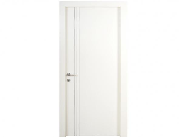 דלת פלדלת אלגנטית מצטיינת בעיצוב מודרני ונקי בשילוב המילה האחרונה בכל מה שקשור בביטחון. הדלת עוברת תהליך צביעה מיוחד בתנור, שמבטיח את אורך חייה באקלים הישראלי.