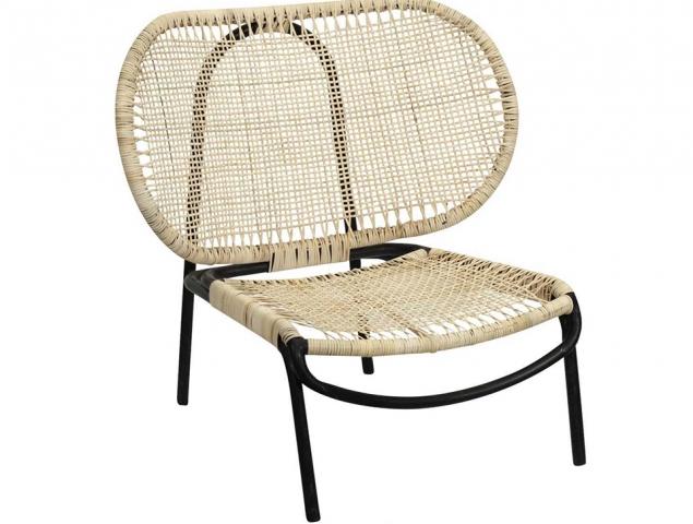 כורסא עשויה רטן בשילוב נירוסטה