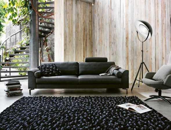 ספה המתאפיינת באלגנטיות וופשטות. מגיעה בשלל מידות וקומפוזיציות, ומתאימה למנעד רחב של סגנונות וחללים. ניתן לבחור משענות יד ורגליים שונות. הספה מגיעה במגוון רב של צבעים, בבדים ועורות.