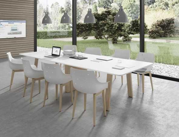 שולחן וכסאות למשרד