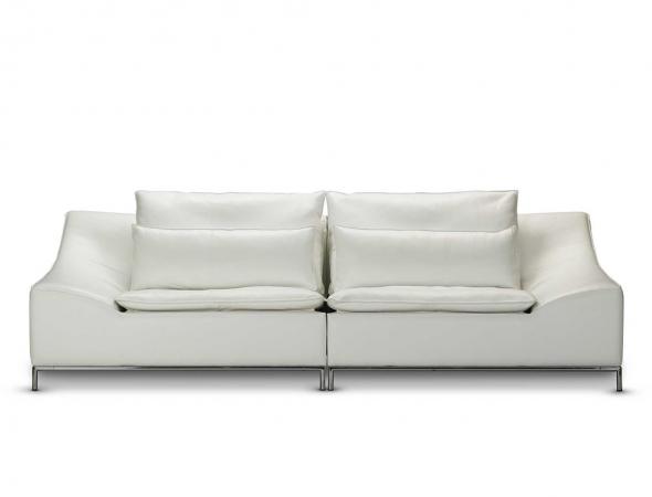 ספת 4 מושבים מעור לבן.