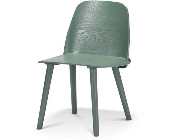 כסא בעל מושב פורניר לבנה בצבע ירוק.