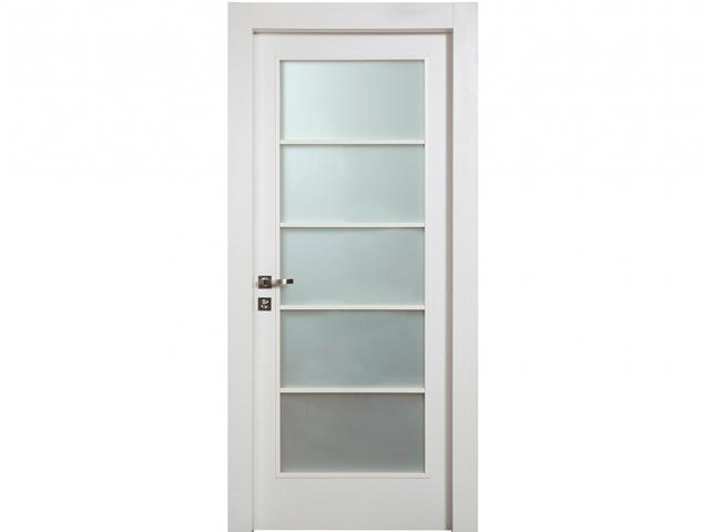 דלת מדגם טריו מקולקציית פרימיום יוניק טופ טאץ לבן עם חלון יפני