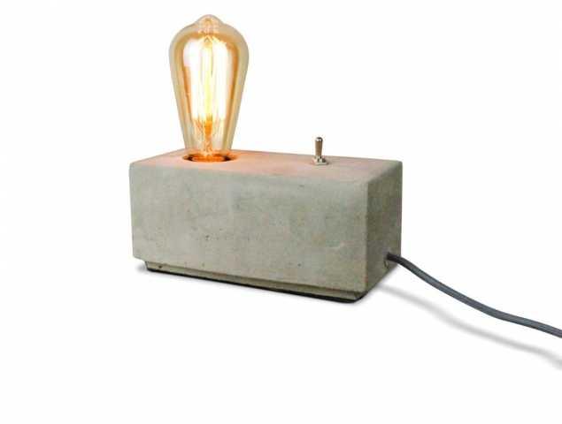 מנורת שולחן