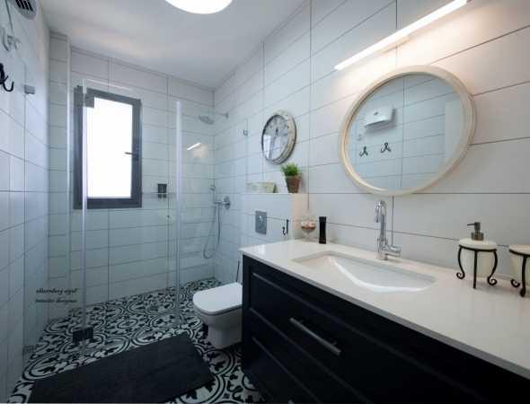 מקלחון חזית - זוג זכוכיות קבועות ודלת פתיחה דו כיוונית