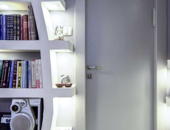 דלת מקולקציית פרימיום יוניק טופ טאץ גוון לבן צביעה בתנור