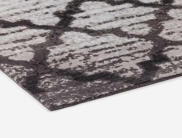 שטיח העשוי מחומר מיקרו פייבר, נעים למגע וקל לתחזוקה קיים בגוונים אפור בהיר ואפור כהה