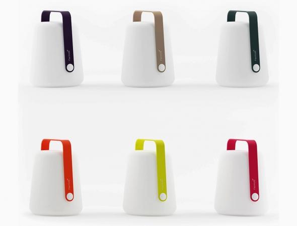 גוף תאורה נייד הניתן להטענה באמצעות כבל USB אשר מספיק ליותר מחמש שעות. גוף התאורה מיועד לתנאי חוץ ועמיד בפני גשם ולחות. BALAD מגיע בשני גדלים ובמגוון צבעים.