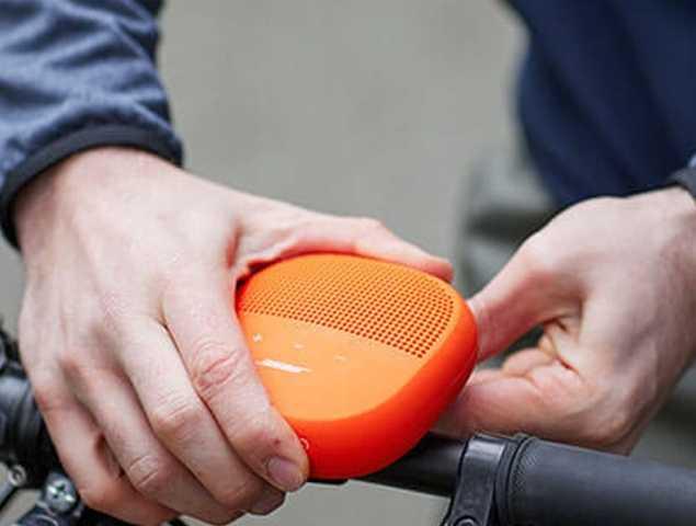 רמקול נייד בעל עמידות במים , ניתן לתלייה עם דיבורית וחיבור USB, קיים במגוון צבעים
