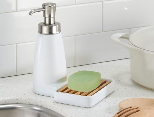 דיספנסר לסבון עם מקום לסקוץ