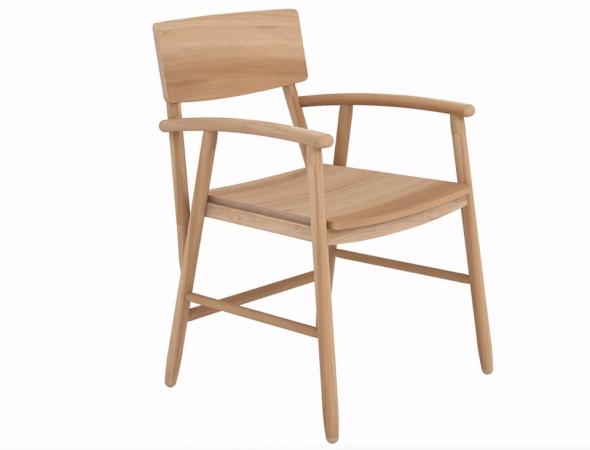 כיסא עץ