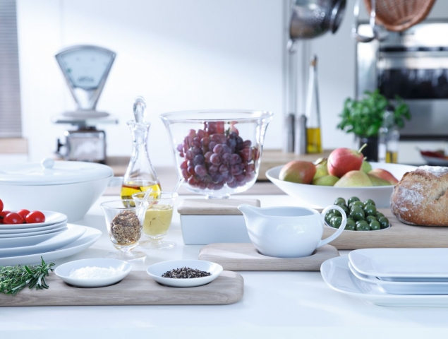 כלי הגשה למטבח קיימים במגוון גדלים