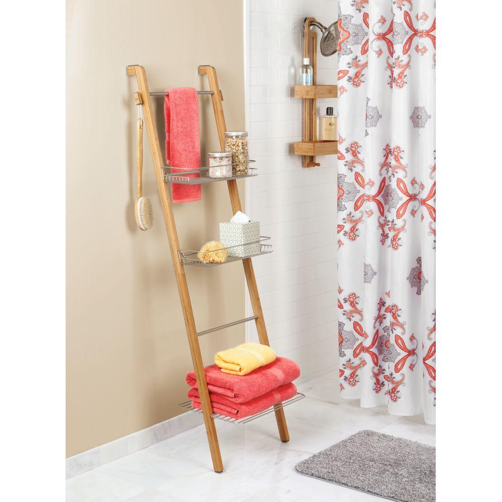 סולם עץ לאמבטיה