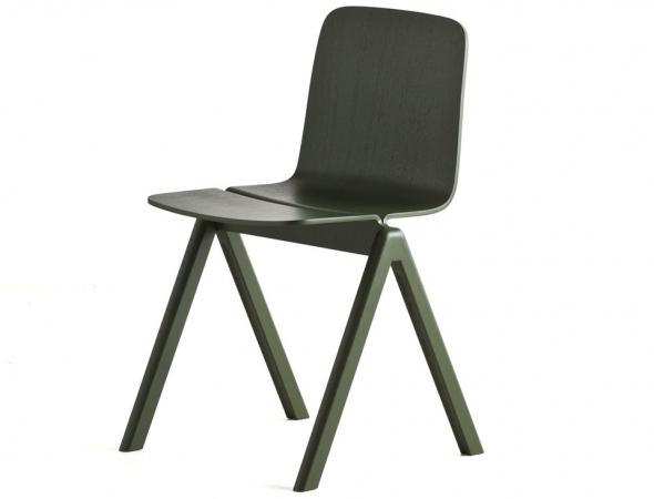 כסא מעוצב מעץ