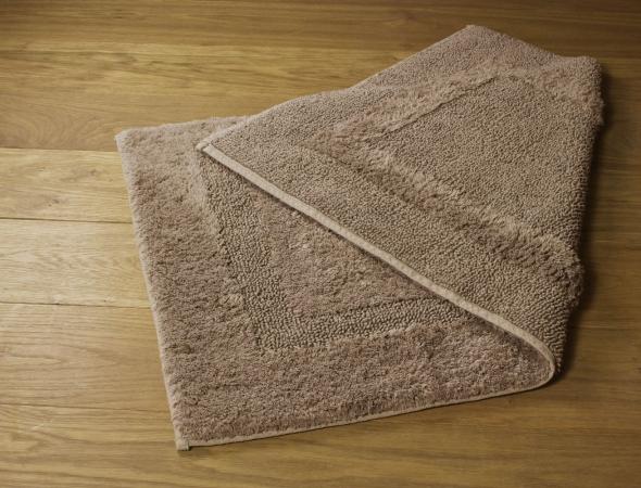 שטיח דו צדדי לאמבט