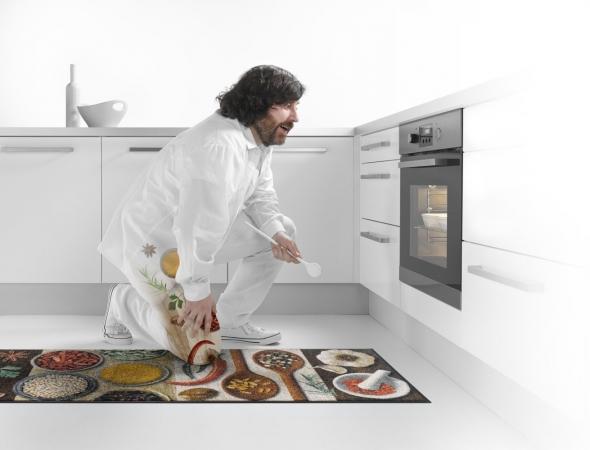 שטיח עם הדפס תבלינים למטבח