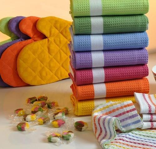 מגבות למטבח במגוון צבעים, בתמונה: כפפות לתנור בצבעים שונים