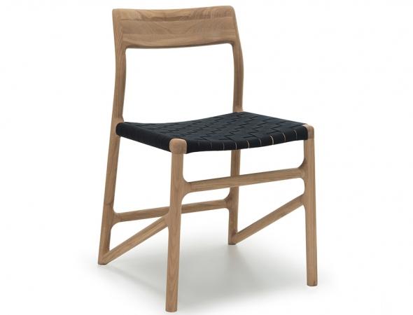 כסא עץ עם מושב שתי וערב