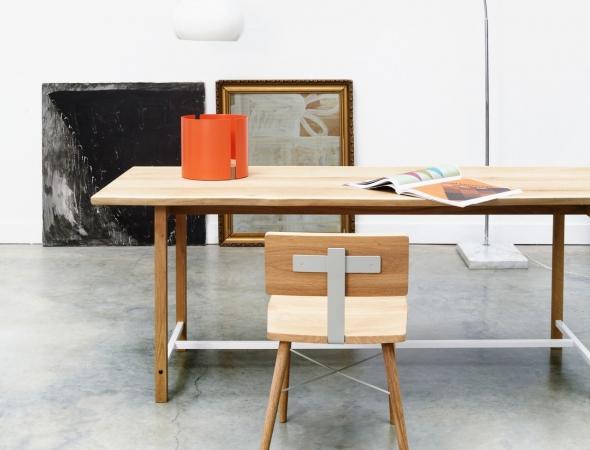 כסא עץ בעיצוב רטרו
