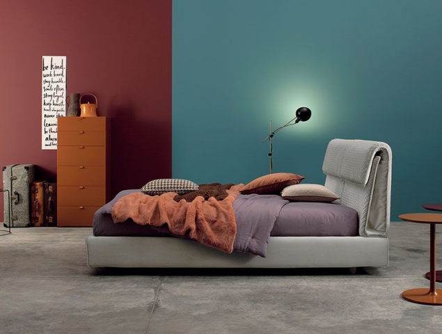 Pochette מיטה