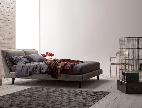 Attico מיטה