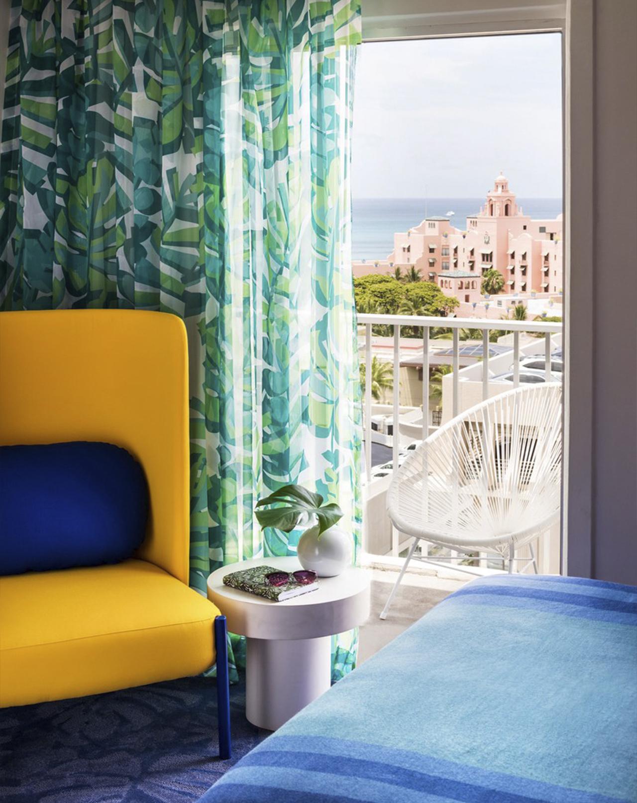 מלון בהוואי כתבה