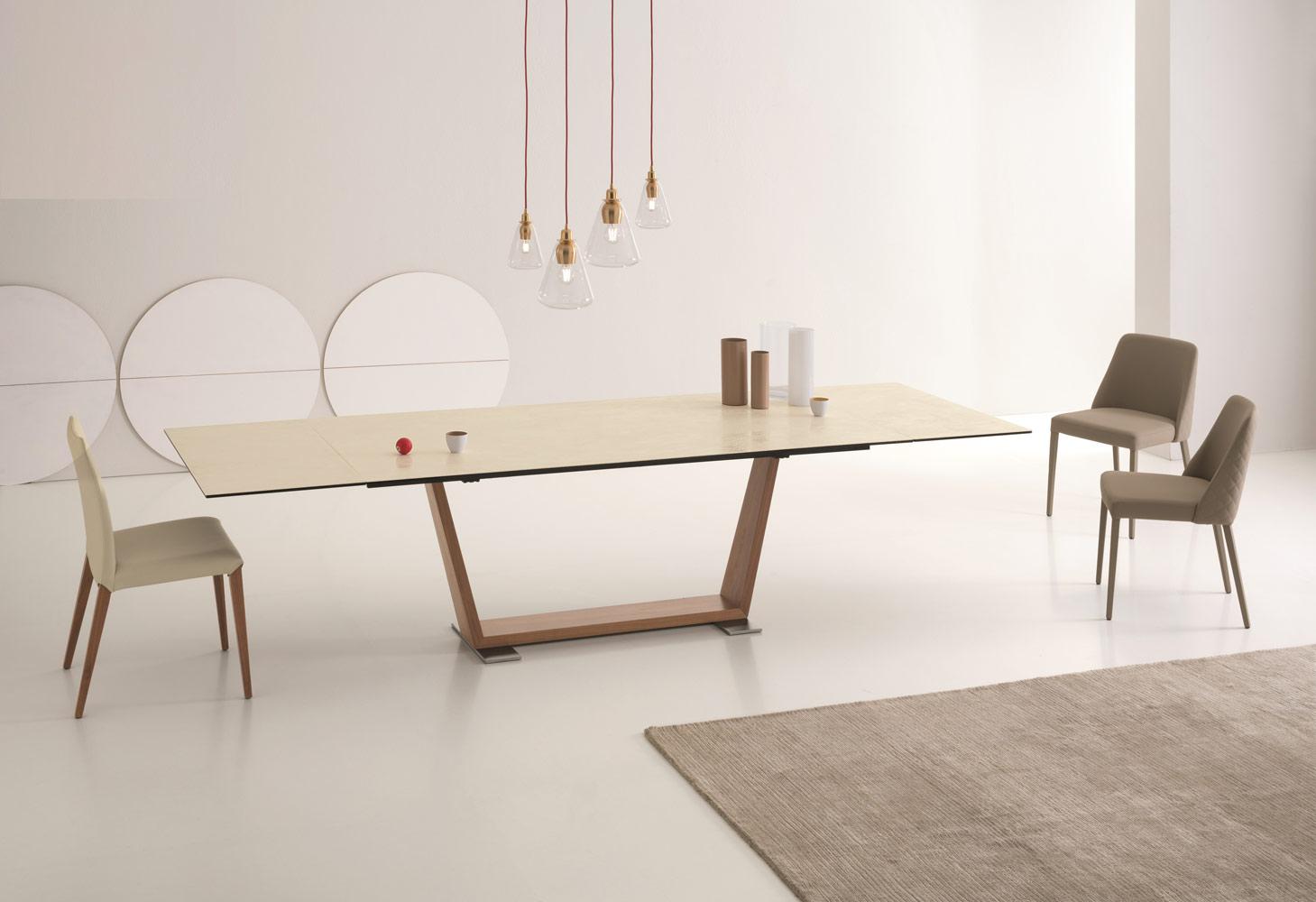 OBLIQUE שולחן אוכל ניקולטי