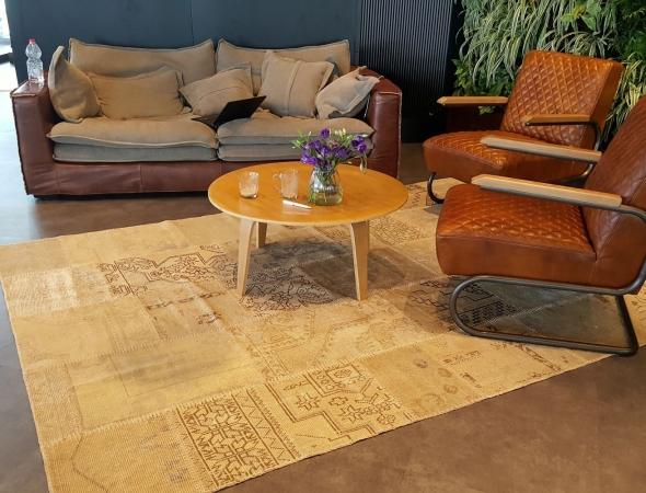 שטיח טלאים בגוונים טבעיים