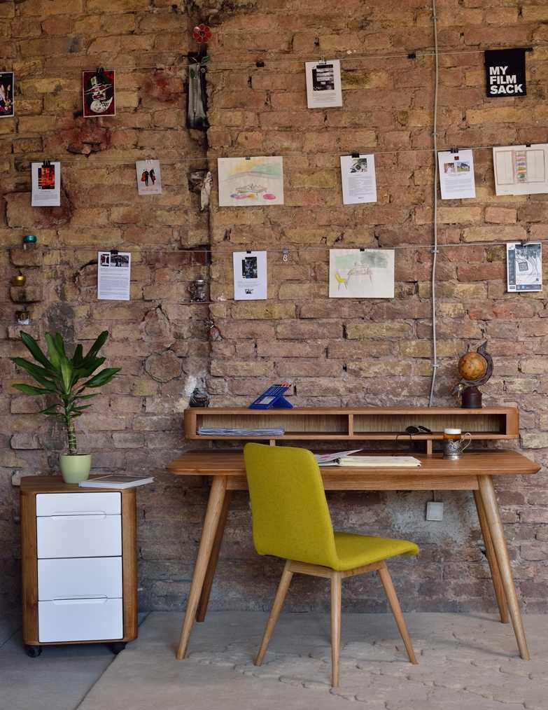 טולמנס שולחן כתיבה