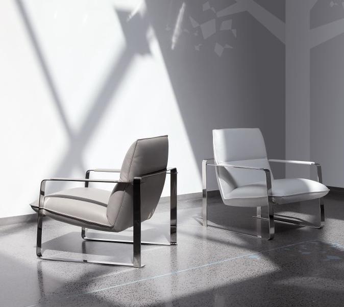 SANDYכורסא הניתנת לשלב בחלל משרדי וגם בחלל הבית כתוספת ייחודית לספה וליצירת מראה מודרני
