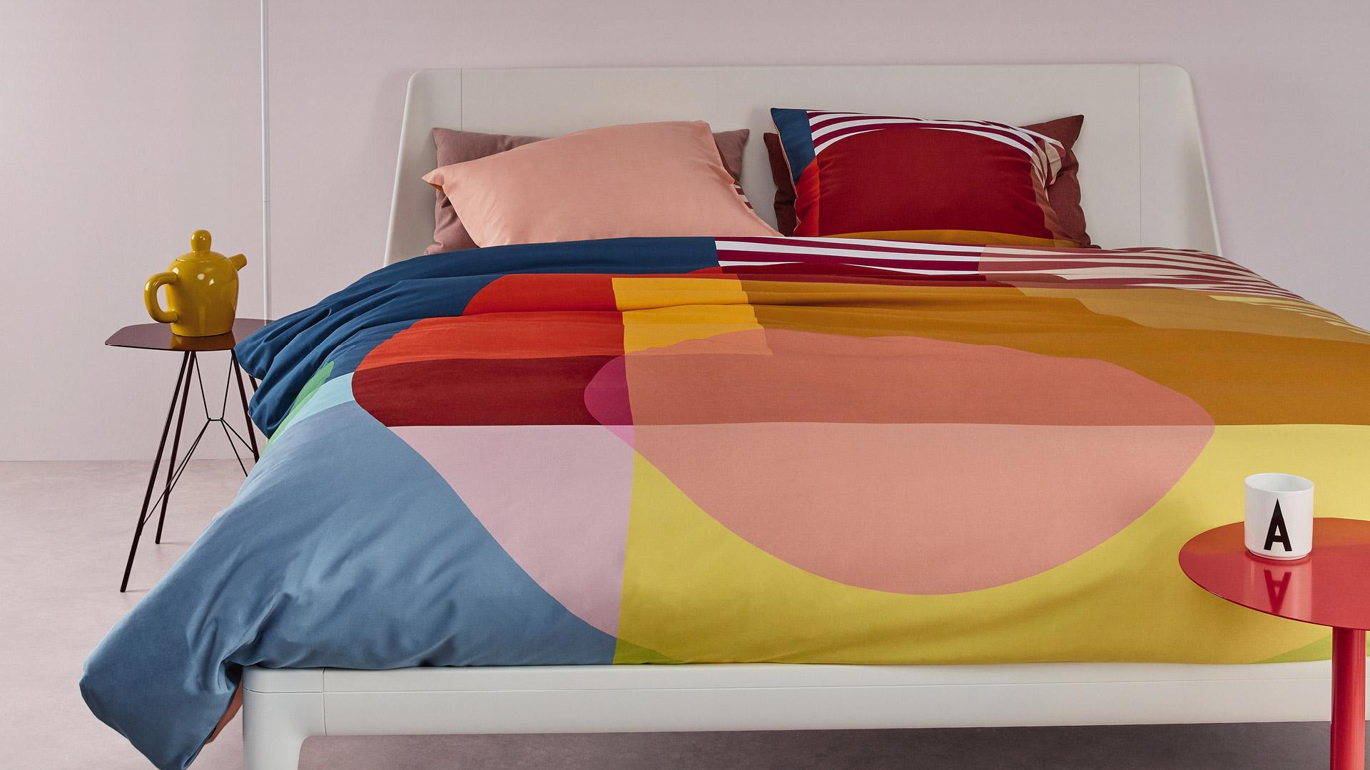 ערכת שינה בעלת קווים נקיים ומעוגלים ובמנעד של צבעים וסגנונות לבחירה, Auping Essential יכולה לתת נגיעה של עיצוב בכל חדר שינה. הנדסת השינה של Auping בטוויסט חדשני וצעיר ובשימוש ב-100% חומרים מתכלים, לשינה בריאה, נוחה וידידותית לסביבה.
