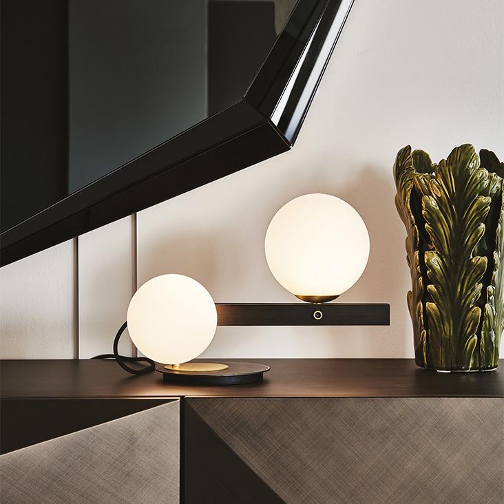 מנורת שולחן של קטלן איטליה
